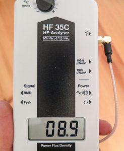 Anzeige und Schalter des Gigaherz Solutions HF35C