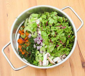 Gemischtes Gemüse im Däpferaufsatz