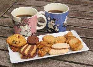 Handgepresster Espresso Americano (Pavoni!) und eigene (glutenfreie) Kekse. Foto: H.C.
