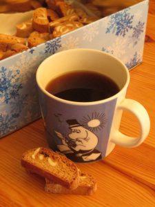 Espresso 'Americano' mit selbst gebackenen Dinkel-Glycin Cantuccini. Foto: H.C.